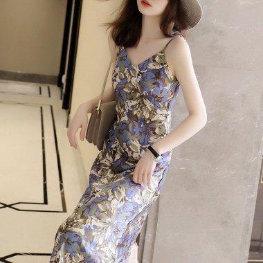 春夏コーデにおすすめ エレガントな総柄プリントのロング丈キャミソールワンピース 3色