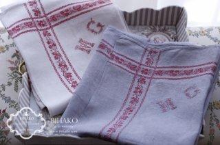 フランス直輸入♪Antique Linen (Red Line) MG刺繍