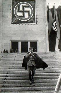 ヒトラー ポスター