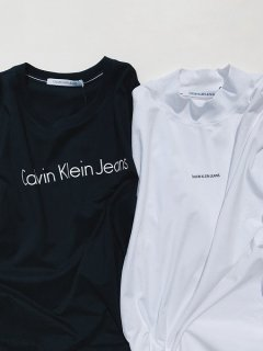 <img class='new_mark_img1' src='https://img.shop-pro.jp/img/new/icons7.gif' style='border:none;display:inline;margin:0px;padding:0px;width:auto;' />【Calvin Klein Jeans(カルバン クライン ジーンズ)】RELAX INSTIT LOWER CASE LOGO TEE (Tシャツ) Black