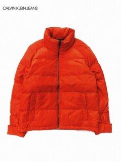 <img class='new_mark_img1' src='https://img.shop-pro.jp/img/new/icons7.gif' style='border:none;display:inline;margin:0px;padding:0px;width:auto;' />【Calvin Klein Jeans(カルバン クライン ジーンズ)】PACKABLE PUFFER JACKET (パッカブルダウンジャケット) Orange