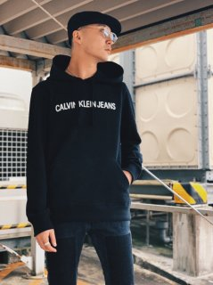 <img class='new_mark_img1' src='https://img.shop-pro.jp/img/new/icons7.gif' style='border:none;display:inline;margin:0px;padding:0px;width:auto;' />【Calvin Klein Jeans(カルバン クライン ジーンズ)】ENTRY HOODIE (ロゴパーカー) Black