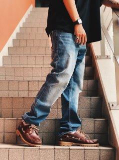 <img class='new_mark_img1' src='https://img.shop-pro.jp/img/new/icons7.gif' style='border:none;display:inline;margin:0px;padding:0px;width:auto;' />【Calvin Klein Jeans(カルバン クライン ジーンズ)】ATHLETIC TAPERED LEG JEANS (スリムテーパードデニムパンツ) Lt. Indigo (056)