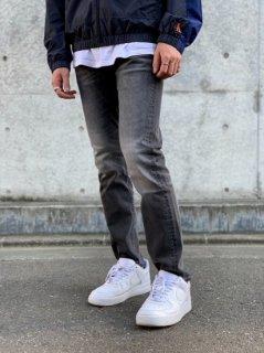 <img class='new_mark_img1' src='https://img.shop-pro.jp/img/new/icons7.gif' style='border:none;display:inline;margin:0px;padding:0px;width:auto;' />【Calvin Klein Jeans(カルバン クライン ジーンズ)】ATHLETIC TAPER LEG JEANSD (スリムテーパードデニムパンツ) Black (056)