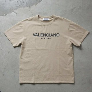 <img class='new_mark_img1' src='https://img.shop-pro.jp/img/new/icons7.gif' style='border:none;display:inline;margin:0px;padding:0px;width:auto;' />【VALENCIANO BY KELME(バレンシアーノ バイ ケレメ)】OVERSIZED LOGO TEE (ロゴ Tシャツ) Beige