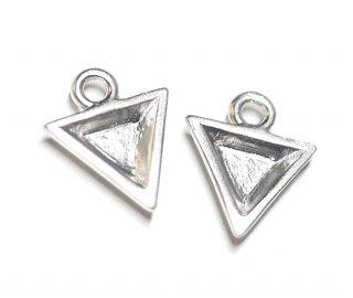 【2個】立体的な3D Petit Triangleプチ三角形マットシルバーチャーム