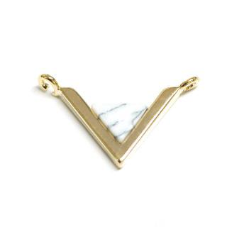 【1個】V字形〜天然石ハウライト(Howlite)風Smallサイズゴールドコネクター
