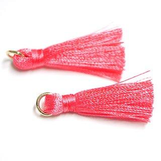【4個入り】Coral Pinkコラールピンクカラー約30mmカン付きタッセル、チャーム