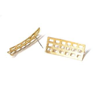 【1ペア】925刻印芯!質感あるカーブスクエア形マッドゴールドカン付きシルバー925芯ピアス