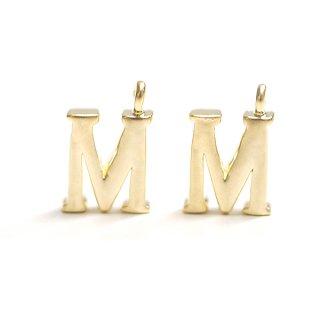 【1個】イニシャル明朝体「M」マットゴールドチャーム、パーツ
