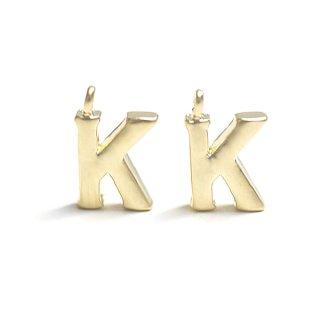 【1個】イニシャル明朝体「K」マットゴールドチャーム、パーツ