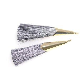 【2個入り】アーバングレーカラーロング糸タッセル シンプルゴールドキャップ付きチャーム
