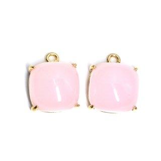 【2個入り】ボリューム!約9mm Sakura Pinkカラーガラスのスクエア形ゴールドチャーム