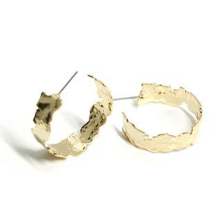 【1ペア】チタン芯!約30mm手作り感あるデザインの光沢ゴールドフープピアス、パーツ