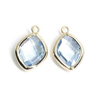 【2個入り】Light Sapphireカラーガラス16mmダイヤモンド形ゴールドチャーム