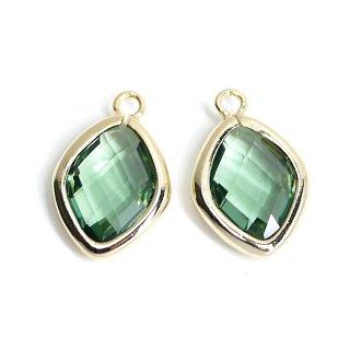 【2個入り】Green Opalカラーガラス16mmダイヤモンド形ゴールドチャーム