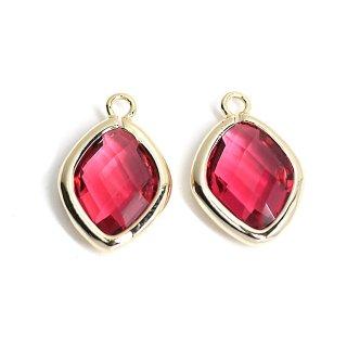 【2個入り】Rubyカラーガラス16mmダイヤモンド形ゴールドチャーム