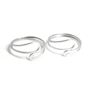【1個】Circular Twist マットシルバーフリーリング、指輪