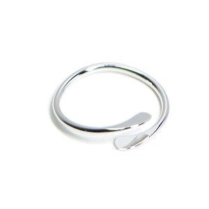 【1個】華奢なシンプルツイスト光沢シルバーフリーリング、指輪