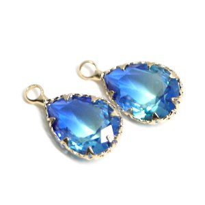 【1個】アクア&ブルーの2色ガラスしずく形ゴールドチャーム