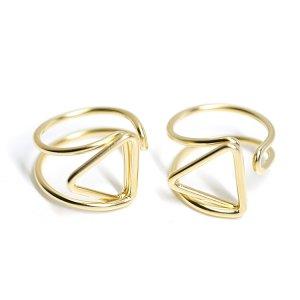 【1個】存在感ある三角形モチーフのマットゴールドフリーリング、指輪