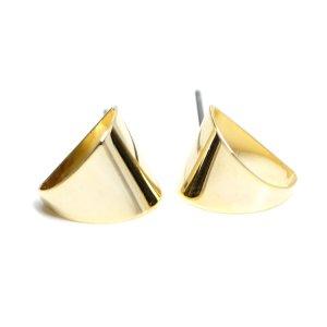【1ペア】チタン芯!丸みあるキュートな約11mm三角形ゴールドピアス、パーツ