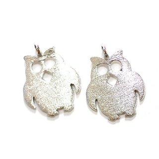 【2個入り】Cute Owl フクロウモチーフの質感あるシルバーチャーム、パーツ