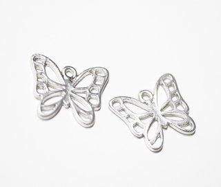 【4個入り】透かし蝶々Butterflyモチーフマットシルバー仕上げチャーム