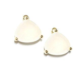 【2個入り】ボリューム三角形GlassホワイトWhiteカラーゴールド仕上げチャーム