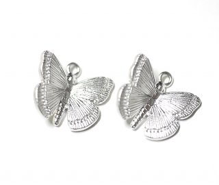 【2個】蝶が舞う!立体的なButterflyマッドシルバーチャーム