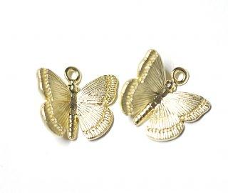 【2個】蝶が舞う!立体的なButterflyマッドゴールドチャーム