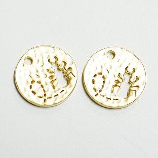 【2個入り】凹凸あるコインモチーフに刻まれたキュートなANT(蟻)!マットゴールドチャーム