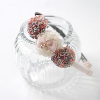 ポンポンお花のカチューシャ(ベビーピンク)