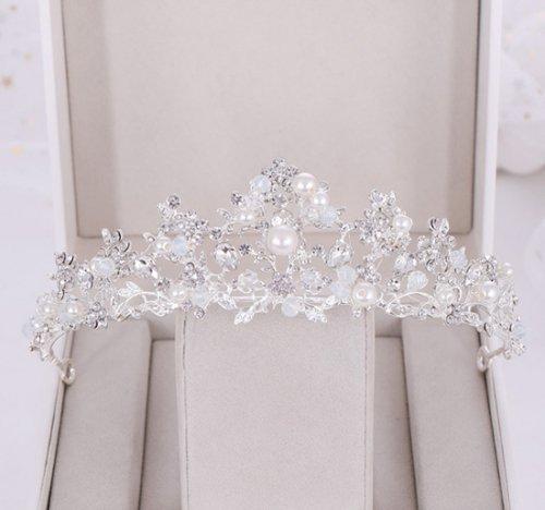 王冠・結婚式・花嫁定番・髪飾り・ヘアアクセサリー・ヘアピン・ウェディングティアラ 写真