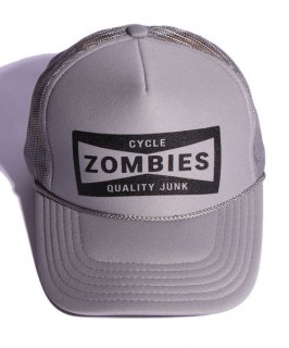 <img class='new_mark_img1' src='https://img.shop-pro.jp/img/new/icons15.gif' style='border:none;display:inline;margin:0px;padding:0px;width:auto;' />CycleZombies / サイクルゾンビーズ CHAMPION Standard Foam Trucker Flat Brim