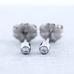チタンピアス 天然ダイヤモンド 合計約0.06ct