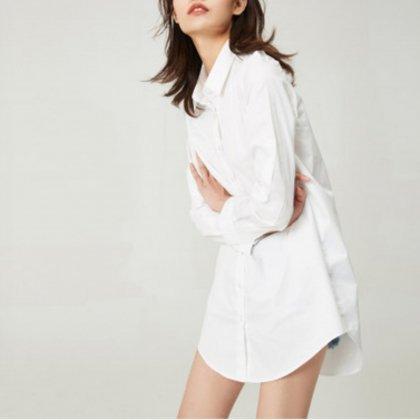 着るだけで断然オシャレ オーバーサイズ シンプル白シャツ