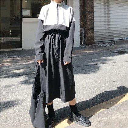 パーカー風のデザインがおしゃれなバイカラーの個性派ワンピース 韓国