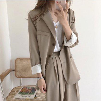ビックシルエットのジャケットがおしゃれなきれいめカジュアルのパンツセットアップ 2色