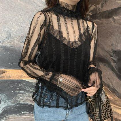 刺繍レースの透け感がオトナかわいい黒の長袖おしゃれトップス ブラウス