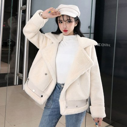 モコモコのフェイクファーが大人かわいいビックカラーのショートジャケット 2色