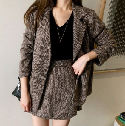 オフィスやフォーマルに ミニ丈のキュロットスカートとジャケットのセットアップ スーツ 2色