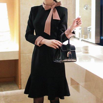 エレガントなバイカラーデザイン ビックリボンが大人かわいいマーメイドラインの長袖きれいめワンピース