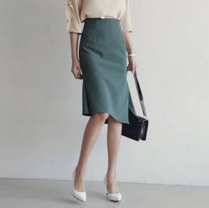 アシメなヘムラインがおしゃれ 上品フェミニンなきれいめタイトスカート 2色