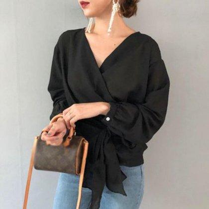 カシュクールでフェミニンに 美シルエットなきれいめ袖ありブラウス トップス 2色