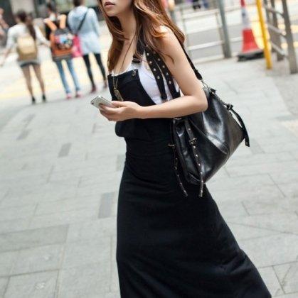 大人女子のオフスタイルに カジュアルでかわいいフード付きサロペットロングワンピース 3色