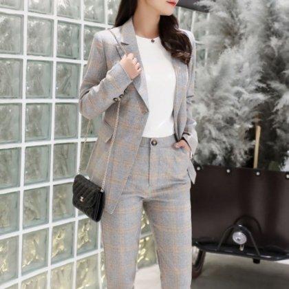 オフィスや通勤に タイトな美シルエットのチェック柄パンツセットアップ 2色 スーツ