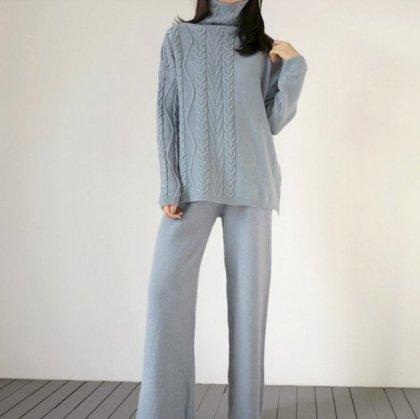 オトナ女子の休日スタイルに アシメなケーブルニットがおしゃれなパンツセットアップ 4色