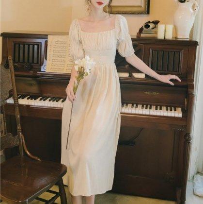 お呼ばれドレスにおすすめ 大人ガーリーなパフスリーブのフレアロングワンピース