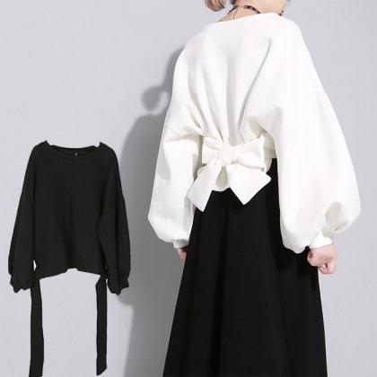 スタイリッシュな海外デザイン バックリボンがおしゃれなバルーン袖のゆったりトップス 2色